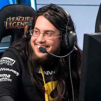 How Much Is League of Legends' Player Imaqtpie's Earning From His Profession? His Net Worth And Assets