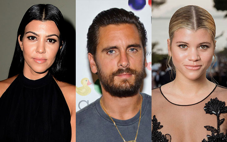 Kourtney Kardashian Holidaying With Scott Disick And His Girlfriend Sofia Richie In Mexico!!