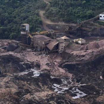 Brazil Dam Collapse: 40 Dead, Nearly 300 Missing!!