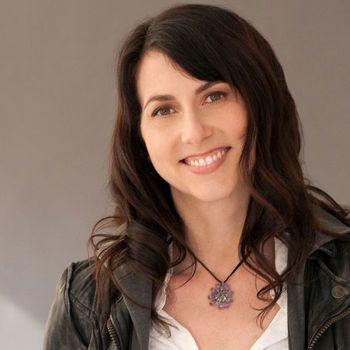 MacKenzie Bezos After Divorcing Husband Jeff Bezos Will Be One Of The Richest Women: Know Her Current Net Worth