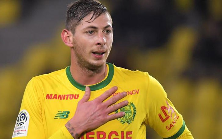 Footballer Emiliano Sala's Missing Plane Is Found In The Channel!!