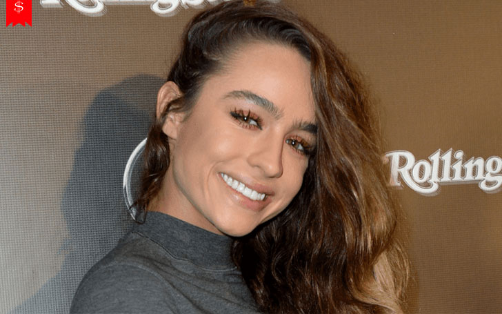 Popular Internet Model Sommer Ray's Earnings Will Surprise You-Find Out How Much Is Her Net Worth?