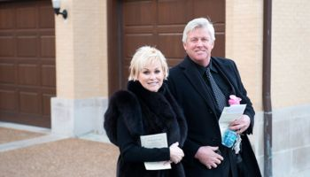 Meet Lorrie Morgan The One Who Never Gives Up On Love: After Five Failed Marriages, Lorrie Is Now Married To Sixth Husband Randy White-Details Here!!