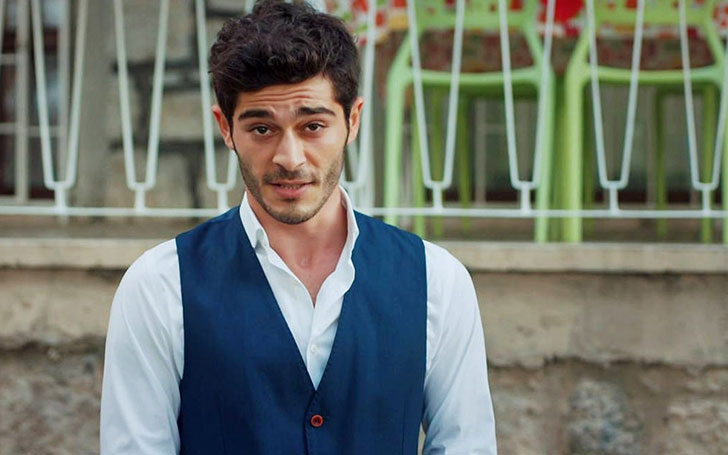 Is Turkis Actor Burak Deniz Dating a Girlfriend or Married?