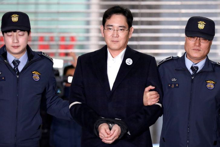 Exclusive!! Here Is Why Vice-Chairman Of Samsung Jay Y. Lee Is Serving 2 And A Half Years In Prison