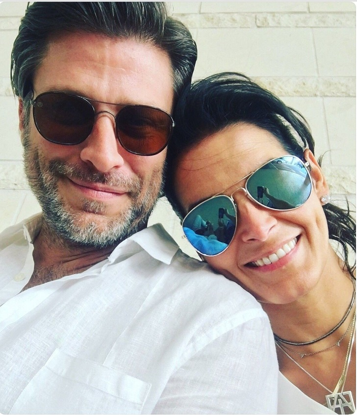 Actress Angie Harmon Flaunts Toned Body In Bikini As She Enjoys Birthday Vacation With BF Greg Vaughan