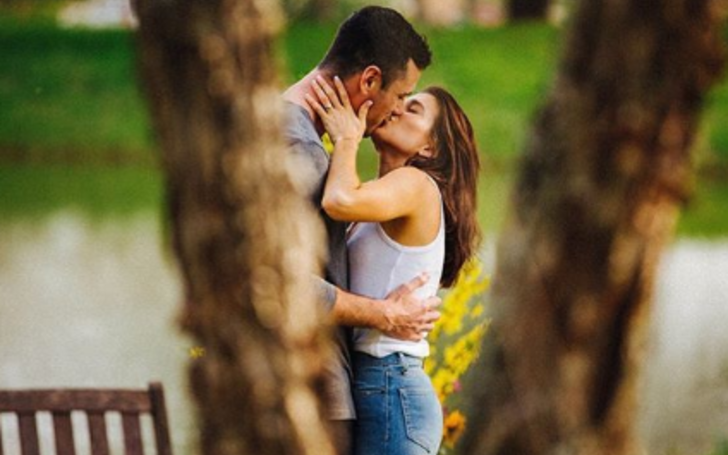 Ben Higgins Gets Engaged to Girlfriend Jess Clarke After Dating For a Year