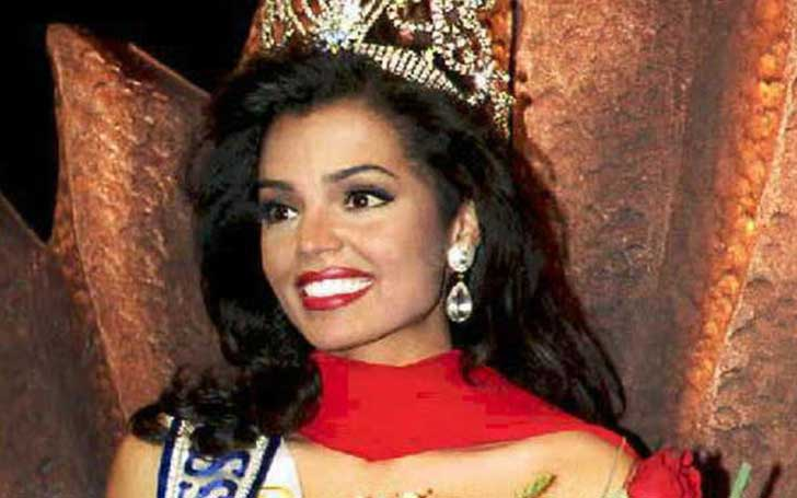 Former Miss Universe Chelsi Smith Dies Following Long Battle With Liver Cancer