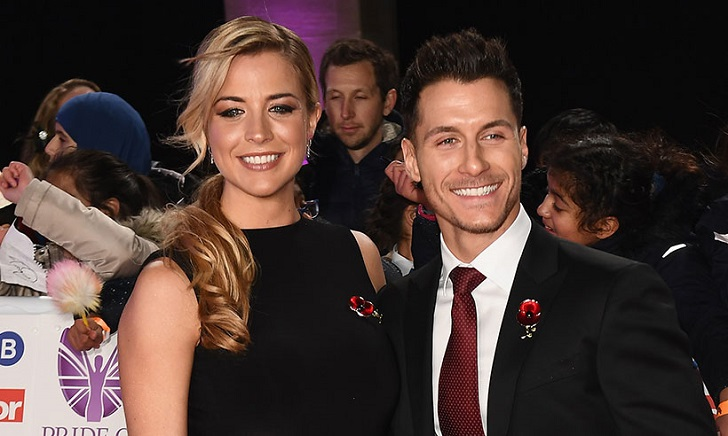 Gorka M�rquez Kisses Pregnant Girlfriend Gemma Atkinson's Baby Bump