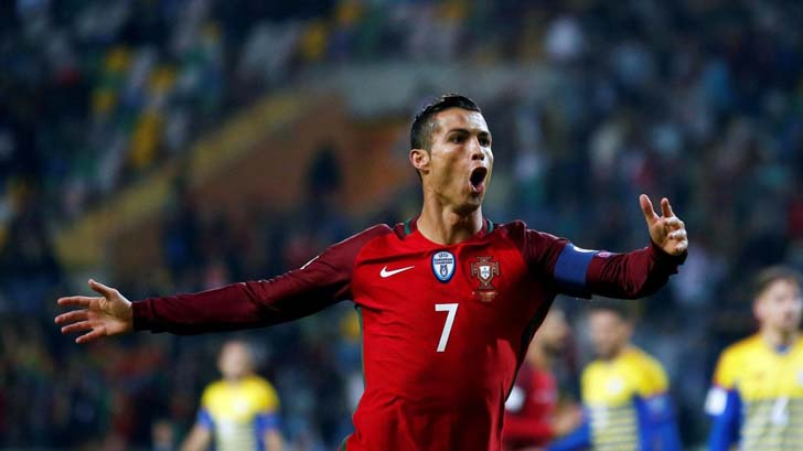 Portugal�s Ronaldo Scores The First Goal In A Penalty Shootout And Scored The Second Before The Half
