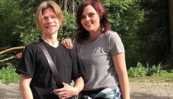 Alaskan Bush People's Bear Brown Expecting A Baby Boy With Girlfriend Raiven Adams