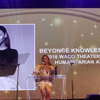 Beyonc� Teared Up Receiving The Humanitarian Award At The 2018 Wearable Art Gala