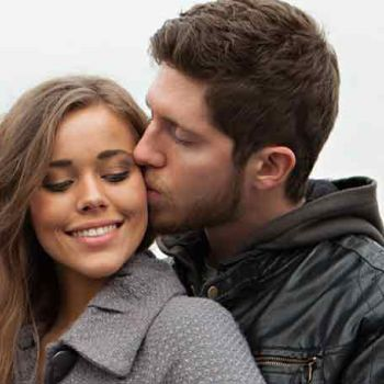 Jessa Duggar Gave Birth To Third Child, Ivy On Family Couch Before Being Rushed To Hospital