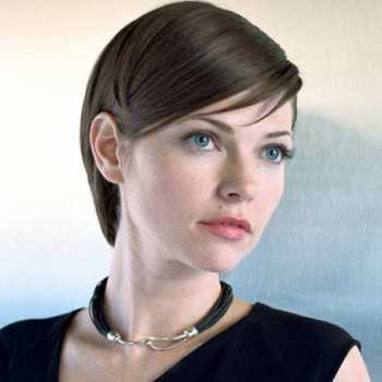 What's actress Nicole de Boer Net Worth? Find Out her Sources of Income